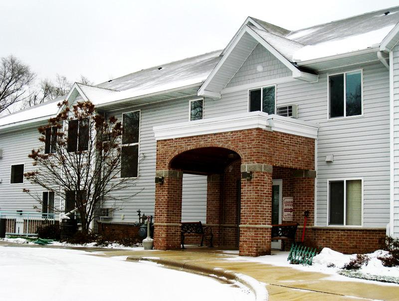 Willow River Apartments - Exterior A